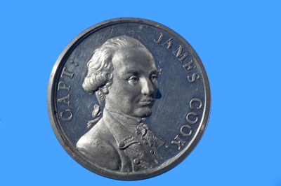 """Medal mentioning Captain James Cook's death in the Hawaiian Islands;  """"Kill'd by the Indians at O'Why'Hee February 14 1779""""; Unknown; 1780; SF000688"""