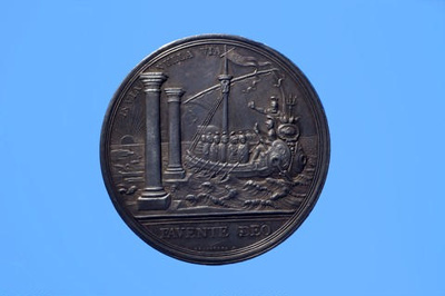 Silver medal to commemorate the centenary of the VOC; Robert Arondeaux; 1702; SF000863