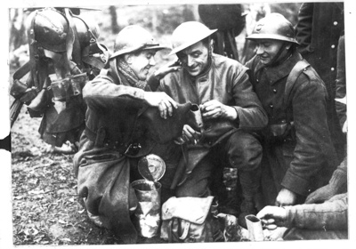 Photograph - BEF and French troops toast in the new year - 01/01/1940; 1/01/1940; 8964