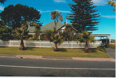 Udy's Homestead in Udys Road; La Roche, Alan; 1/02/2012; 2018.124.52