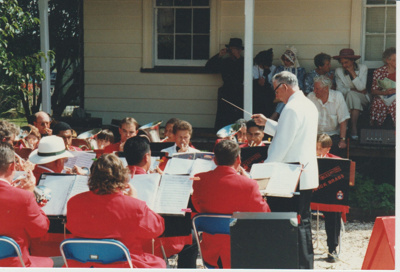 The Howick Locksmith Band performing at the opening of Whites Homestead.; 16/03/1997; 2019.107.03