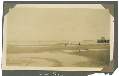 Low tide at Howick Beach; 1920s; 2016.116.22