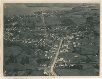 Aerial view of Howick; Jones, J F; 1947; 2016.134.51