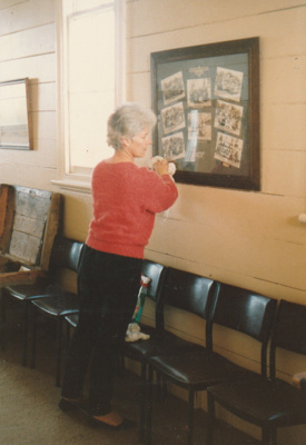 A member of the Bucklands Beach Lioness Club cleaning Pakuranga School, HHV.; La Roche, Alan; August 1989; P2020.61.02