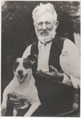 Lemuel Henry White with Snip and galah; c1930; 2018.430.06