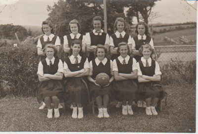 Howick District High School Secondary B basketball team; Sefton, William John, Penrose; 1946; 2019.071.27