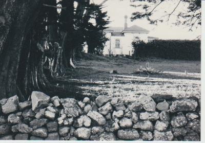 East Tamaki schoolhouse in Smales Road.; La Roche, Alan; 1/07/1991; 2018.158.84