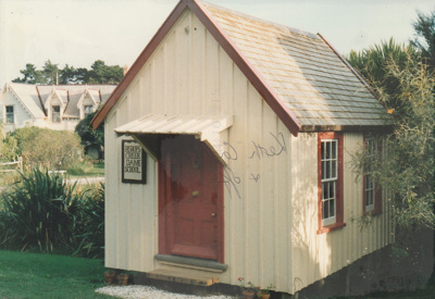 The Dame School in Howick Historical Village. ; La Roche, Alan; May 1990; P2021.54.05