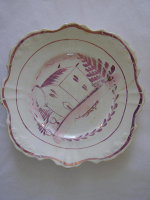 Ceramic plate with light purple.