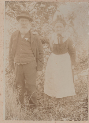 Alexander and Esther Shaw; 1908; 2018.414.04