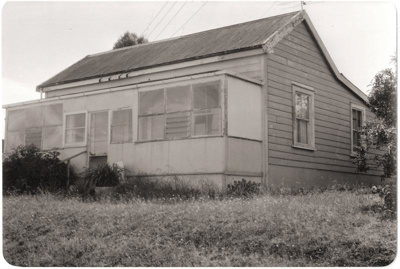 Early Settler's Cottage, Wellington St, near Howic...