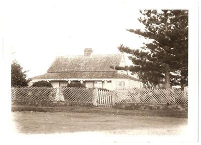 Greenwoods Corner, Howick, 1904, opposite end of B...