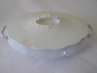 Whtie ceramic dish.