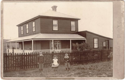 Bell House, Pakuranga, c.1898; Zealandia Photo Company; c.1898; 14610