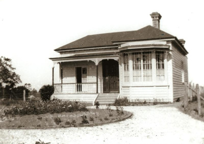 Brickell's Homestead, Ridget Rd, Howick. c 1920.; 11064
