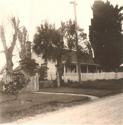 Shamrock Cottage, Howick. The building is on 73 Se...