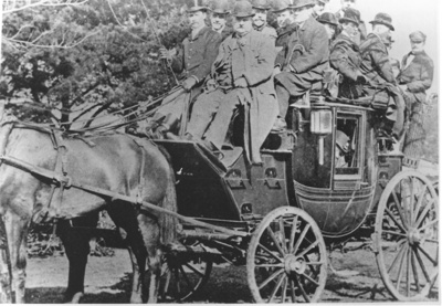 Northern Club off to Races; C. 1900; 9104