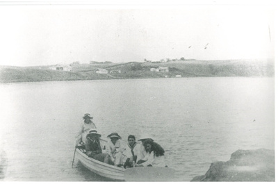 Sailing off Grangers Point Bucklands Beach; Fairfield, Geoff; c1920; 2016.609.07