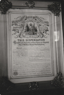 A dispensation plaque from the Independent order of Oddfellow, now hanging in Pakuranga School, HHV.; La Roche, Alan; 1991; P2020.58.01