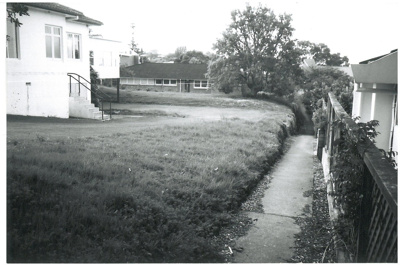 Path between Selwyn and Uxbridge Roads; La Roche, Alan, Howick; Oct.2001; 2016.402.06