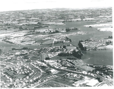 Panmure and Tamaki River c1950; Whites Aviation; c1950; 2017.254.11