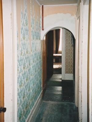 Puhinui downstairs hallway before restoration.; Alan La Roche; June 2003; P2020.14.14