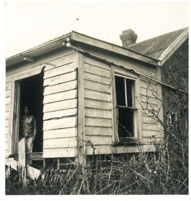 Grangers cottage on the Whitford-Maraetai Road; McCaw, John; 1970; 2017.102.62