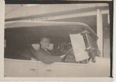Jack Hughes and Sid Shepherd in a car in Picton Street.; 2018.368.02