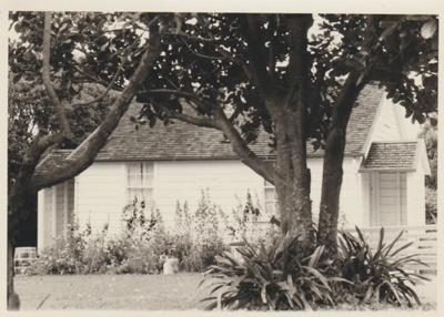 The McDermott Fencible pensioner's cottage; La Roche, Alan; 1/03/1969; 2019.091.32