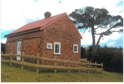 Brickmaker's cottage at Whitford; La Roche, Alan; 1/02/2013; 2017.066.11
