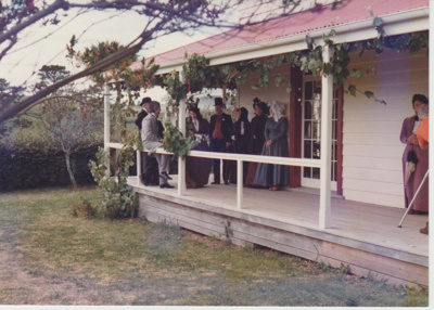 Nelson Blake and others at Bell House.; Auckland Star (Harold Paton); 20/11/1976; 2018.057.51