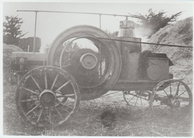 Traction engine at Bell Farm.; c1905; 2017.569.15
