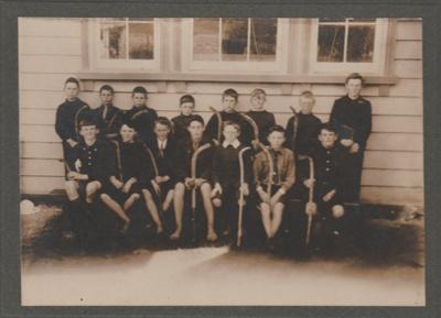 Pakuranga School hockey team, 1905-6; 1905-6; 2019.015.01