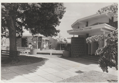 Howick Information Centre in Picton Street.; Eastern Courier; 26/11/1980; 2017.596.04
