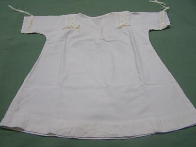 Night Dress; Unknown; 1950-1970; T2016.48