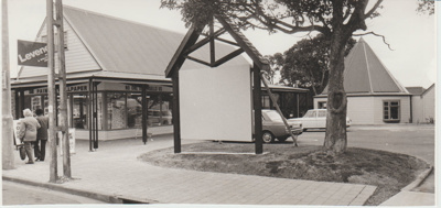 Fencible Court in Cook Street; Eastern Courier; c1990; 2018.003.90