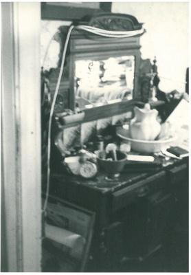 Bedroom at Hawthorndene; La Roche, Alan; 1992; 2016.300.05
