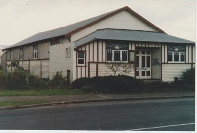 Pakuranga Hall; La Roche, Alan; c2000; 2018.116.43