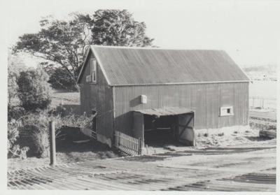 Bell House Barn.; La Roche, Alan; 1/04/1973; 2018.052.24