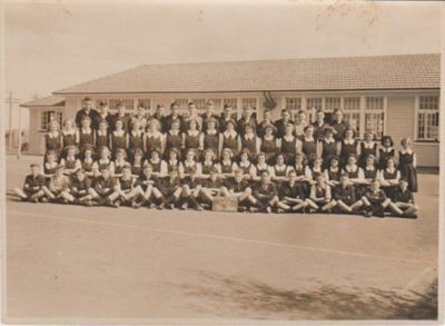 Howick District High School Secondary Department 1950; Sloan, Ralph S, Auckland; 1950; 2019.072.26