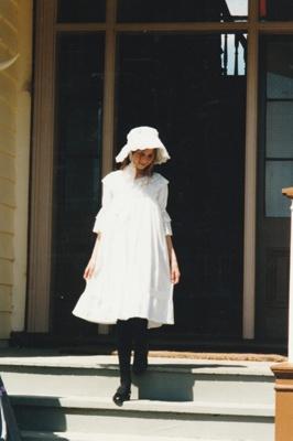 Laura Doughty on the Puhinui verandah on an HHV Live Day. ; Palmer, Ros; October 2003; 2019.198.11
