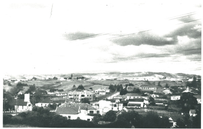 Howick from Stockade Hill; Wiseman, Ron; 1950; 2016.131.48