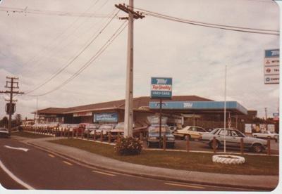 Auckland Motors, 1980; 1980; 2017.461.08