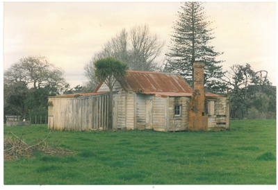 Wade's old cottage, Waikopua Valley, Whitford; Tudehope, John; 2017.116.73