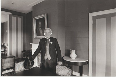 Nelson Blake at Bell House.; Auckland Star (Harold Paton); 20/11/1976; 2018.057.50