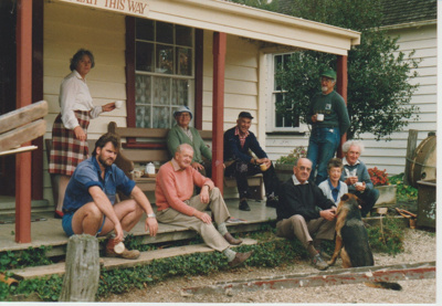 A working bee volunteer group on the steps of Brindle Cottage; 1/06/1989; 2019.129.25