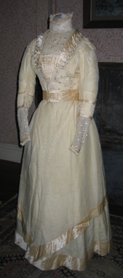 Wedding dress; circa 1900; A1629