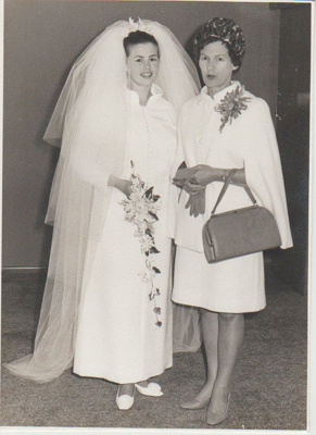Gwen and Kerry Hattaway on Kerry's wedding day.; Legge, David, Howick; 2018.364.08