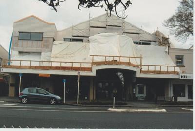 Construction of the Monterey Apartments; La Roche, Alan; 1/09/2014; 2018.021.19