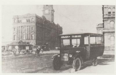 Crawford's Howick bus; c1930; 2017.494.59